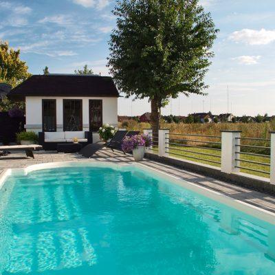 Pool Profi mit mehr als 23 Jahren Erfahrung im Schwimmbadbau, besonders im Verkauf von Fertigschwimmbecken, GFK Becken und Swimmingpools